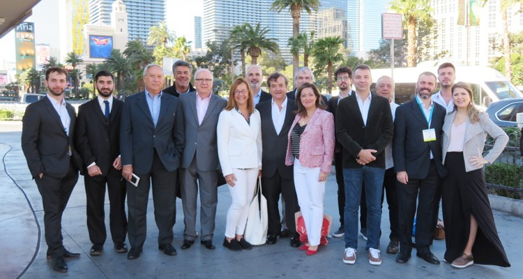 El equipo de Viditec, Vindonur, Intek y 3 Way en Las Vegas Strip