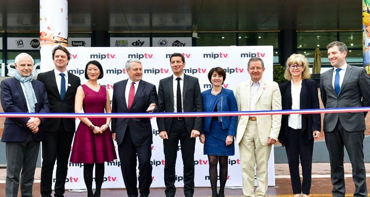CanneSeries and MIPTV official Opening, last Tuesday: Paul Zilk, CEO Reed Midem; the Mayor of Cannes, David Lisnard; Fleur Pellerin, president, and Benoit Louvet, managing director, members of the CanneSeries Festival board; Laurine Garaude, director TV division at Reed Midem; and Reed Midem's team